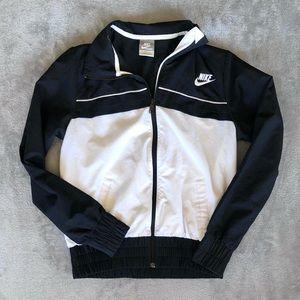 Nike Vintage Windbreaker Jacket Black White Sport